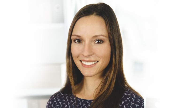 Unabhängige, staatlich zertifizierte Pflegesachverständige (WIFAP) Pflegeberaterin, Case Managerin, Fachkraft außerklinische Intensivpflege und Psychologin - Melanie Schürjan